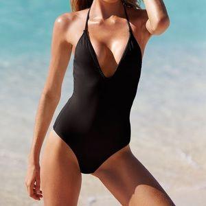 Victoria's Secret 🤫 One Piece Crochet 🧶 Swimsuit